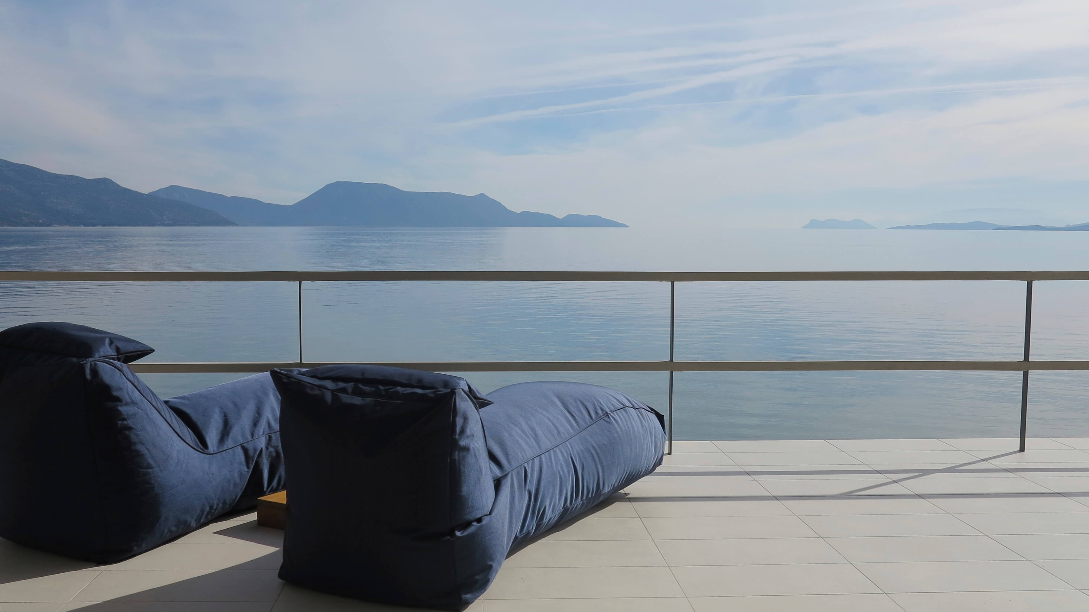 Luxury pouf and sea view
