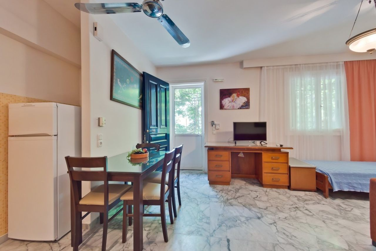 Rema Robi, Rose Apartment, Lygia, Lefkada