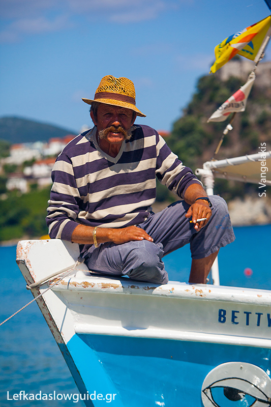 Fisherman in Preveza's port | Lefkada Slow Guide