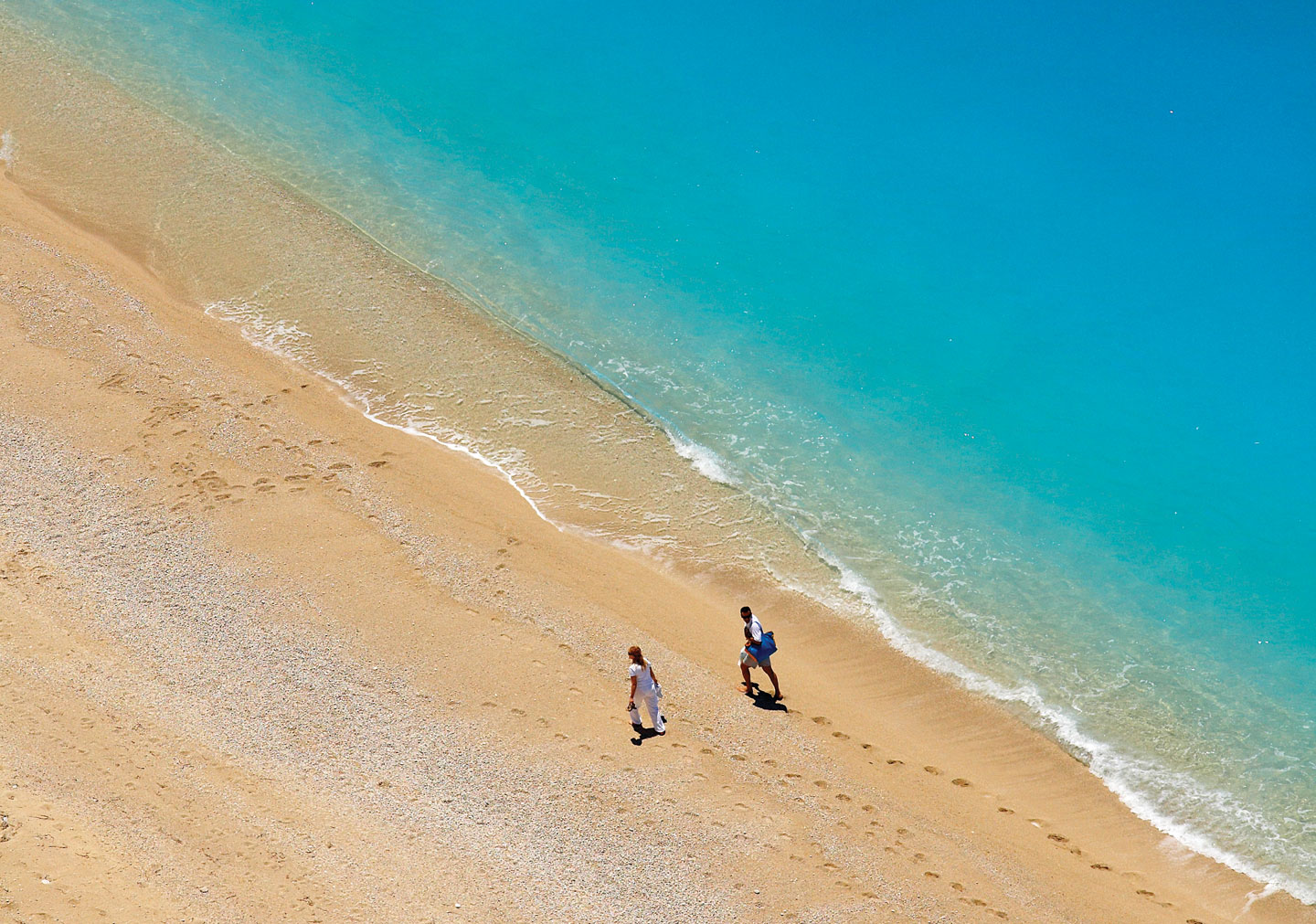 Egkremnoi in Lefkada | World-renowned beach with turquoise waters