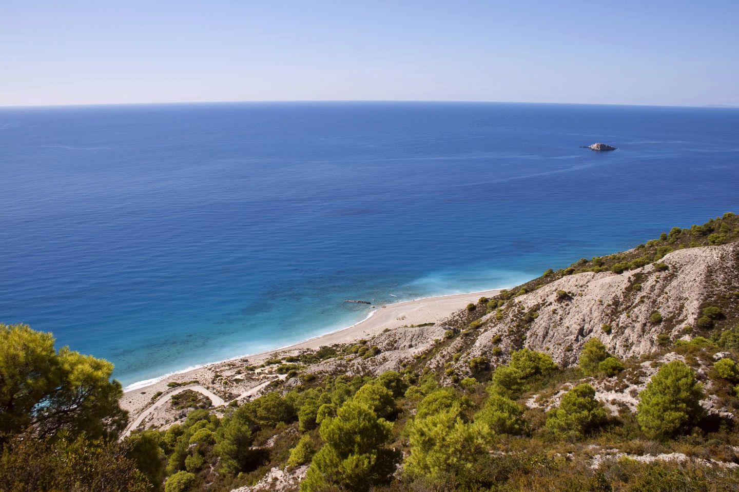 Gialos beach in Lefkada: a big sandy beach | Lefkada Slow Guide